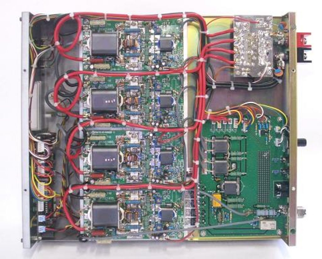 internal view of a solid state amplifier